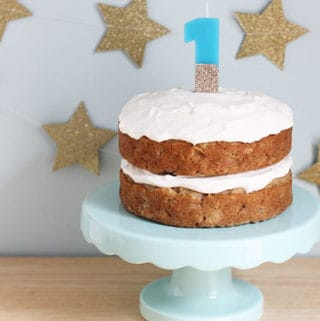 healthy-apple-cake on cake stand