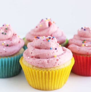 cupcakes-with-strawberry-frosting