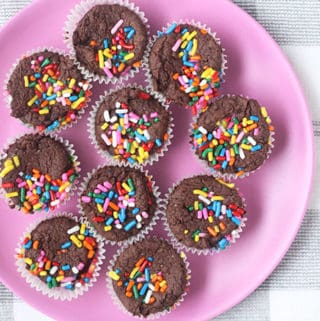 black-bean-brownie-bites-on-pink-plate