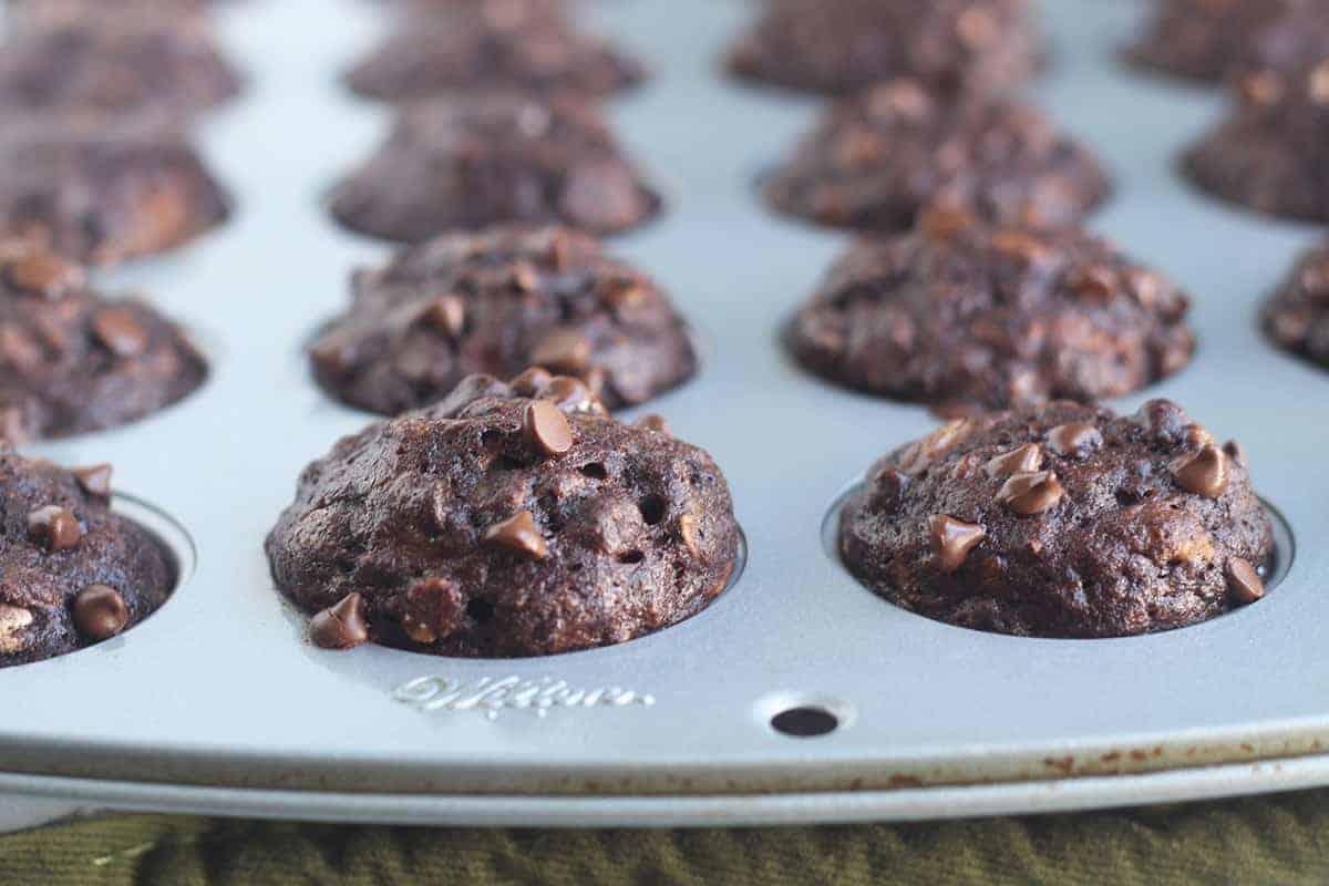chocolate-banana-muffins-in-pan