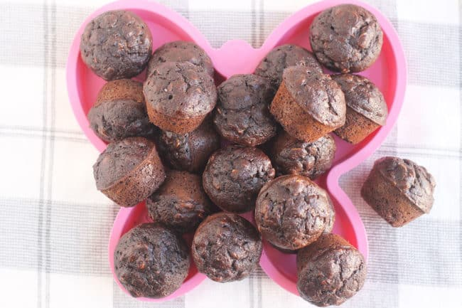 chocolate-banana-muffins-on-pink-plate
