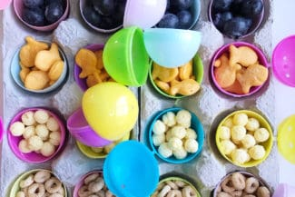 Easy Easter Idea: Egg Hunt Snack Tray