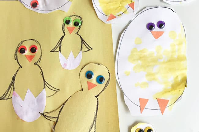 paper-chicks-with-googly-eyes