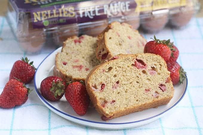 slices-of-strawberry-banana-bread