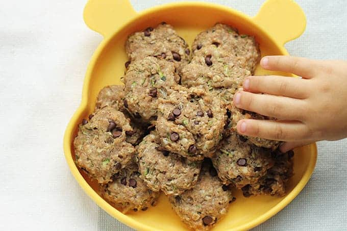 chocolate-chip-zucchini-cookies-on-plate