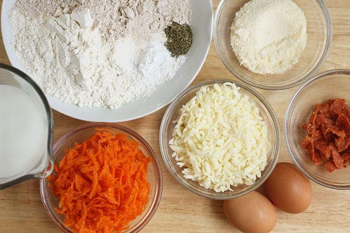 ingredients-in-pizza-muffins