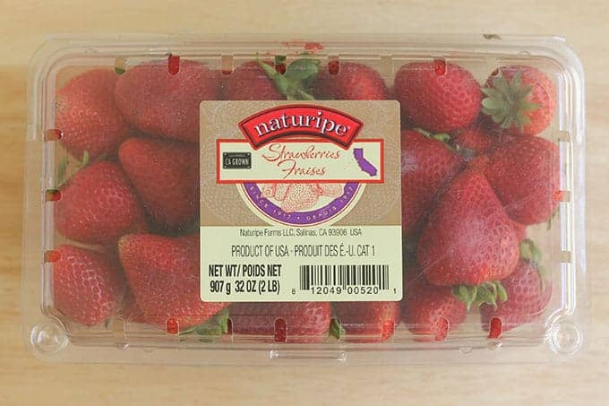 strawberries-in-clamshell-container