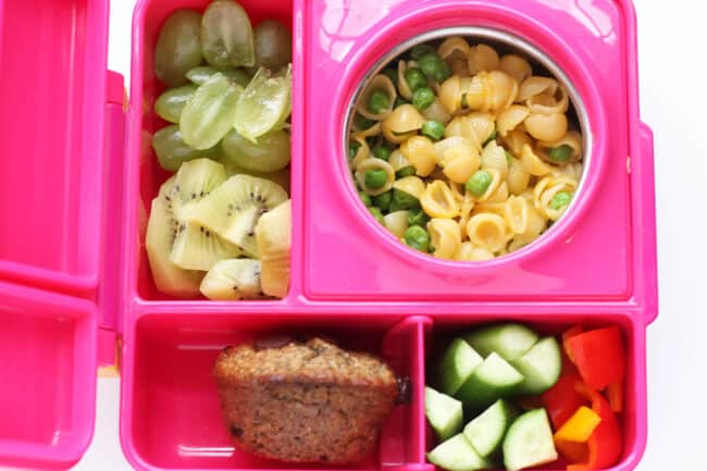mac-and-cheese-in-pink-lunchbox