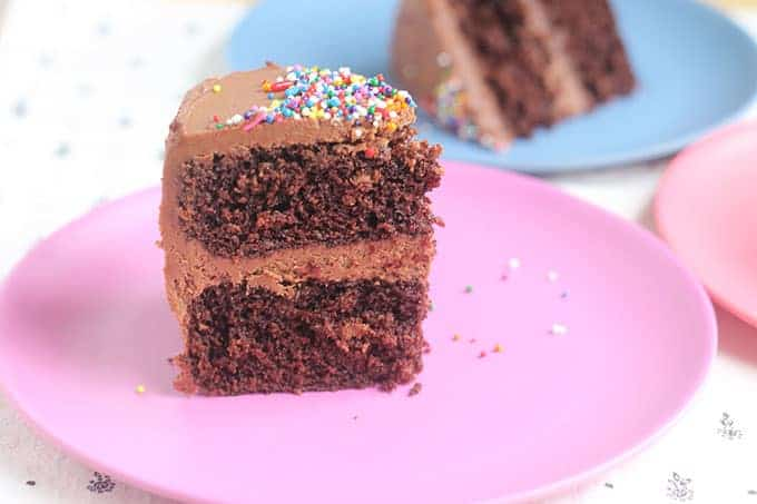 slice-of-healthy-chocolate-cake-on-pink-plate