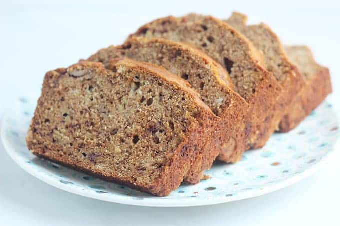 lower-sugar-banana-bread-slices