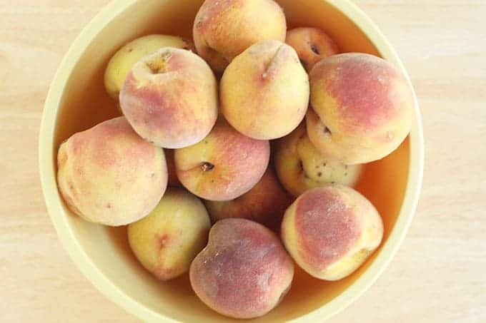 peaches-in-yellow-bowl