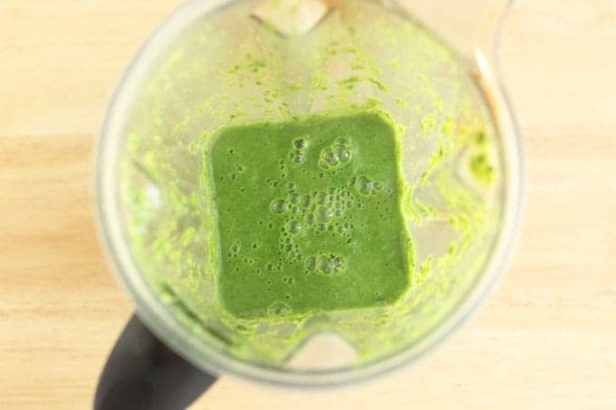 spinach-puree-in-blender