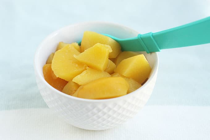 stewed-peaches-in-white-bowl