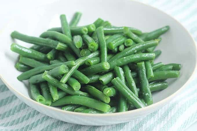 boiled-green-beans-with-butter-in-bowl