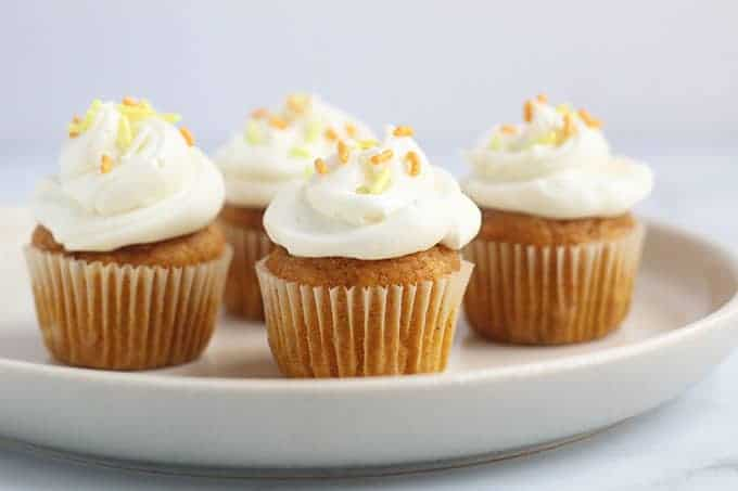 mini-pumpkin-cupcakes-with-frosting