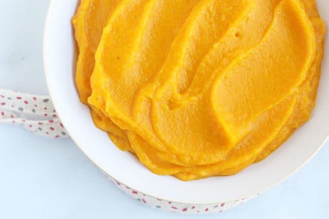 pumpkin-puree-in-white-plate