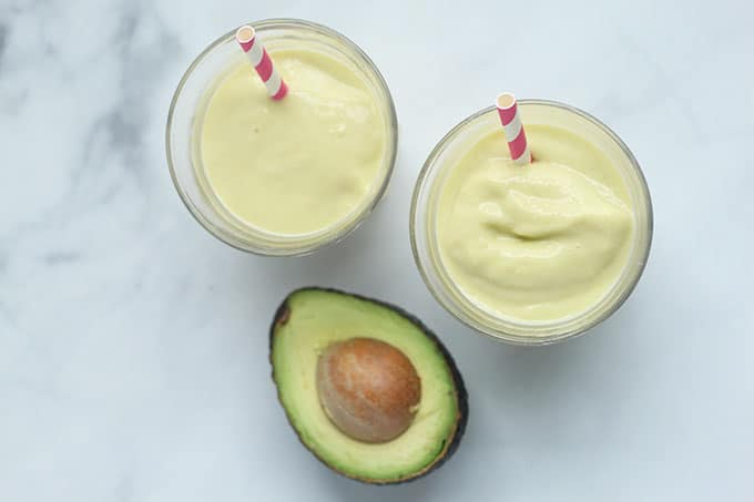 avocado-smoothie-in-two-cups