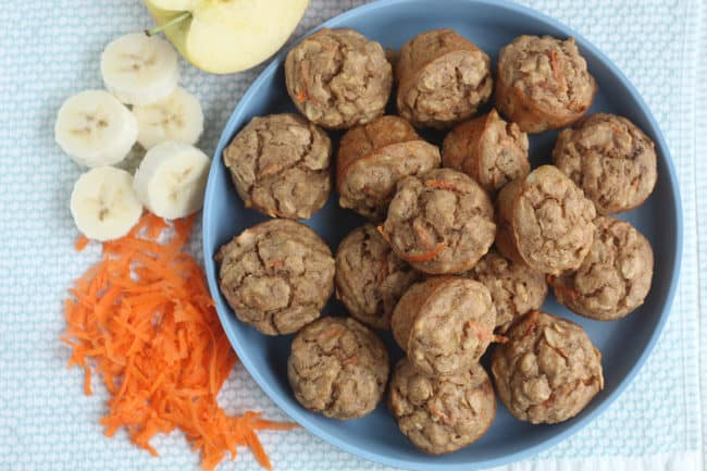 baby-muffins-on-blue-plate