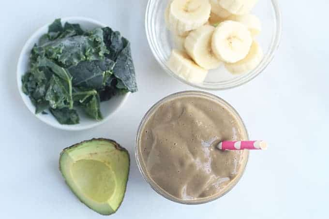 chocolate-smoothie-with-ingredients
