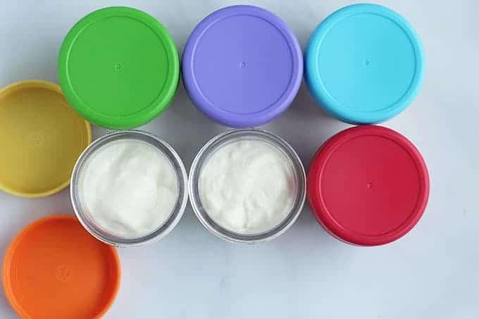 assembling-fruit-on-the-bottom-yogurt