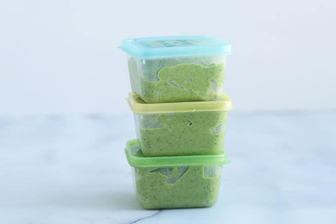 broccoli-puree-in-storage-containers