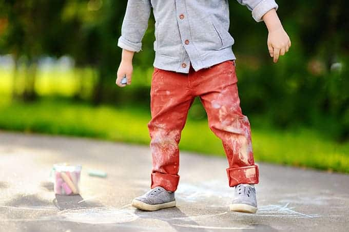 kids-with-sidewalk-chalk-on-pants