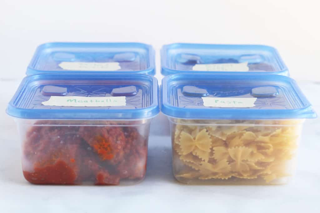meal-train-food-in-containers
