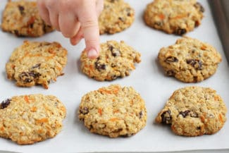 healthy-oatmeal-cookies-with-carrots