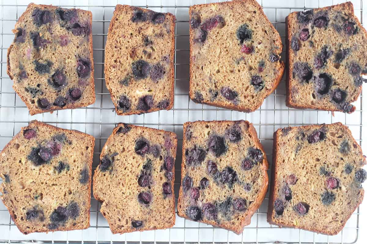 slices-of-blueberry-banana-bread-on-wire-rack