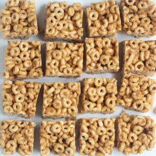 cereal-bars-sliced-on-counter