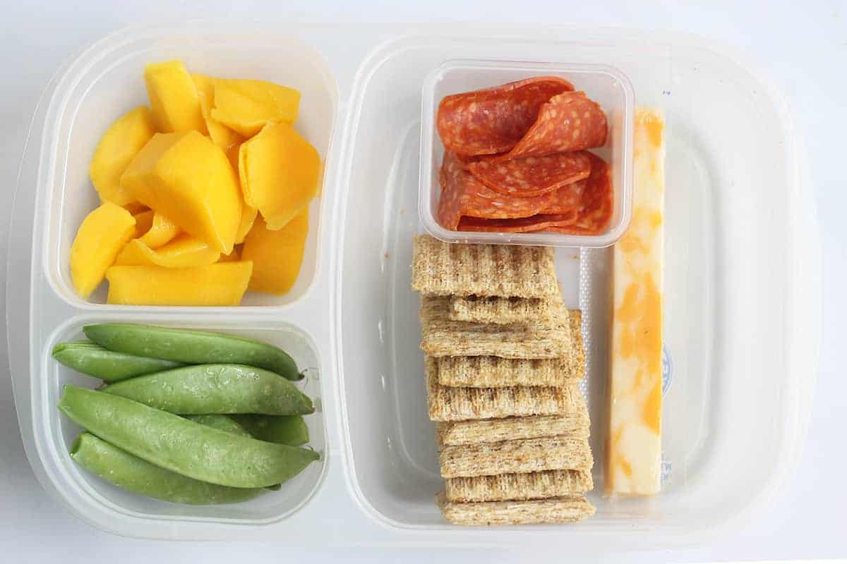 cheese-and-crackers-lunch-box