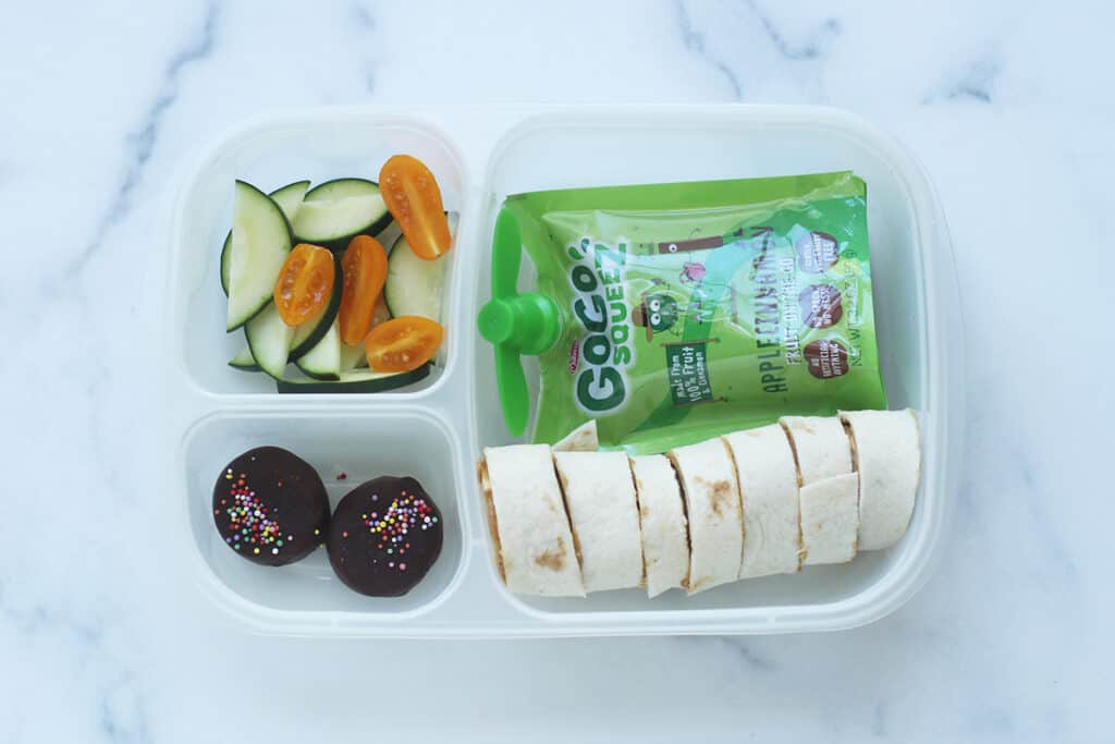 kids-wrap-in-lunchbox-with-applesauce