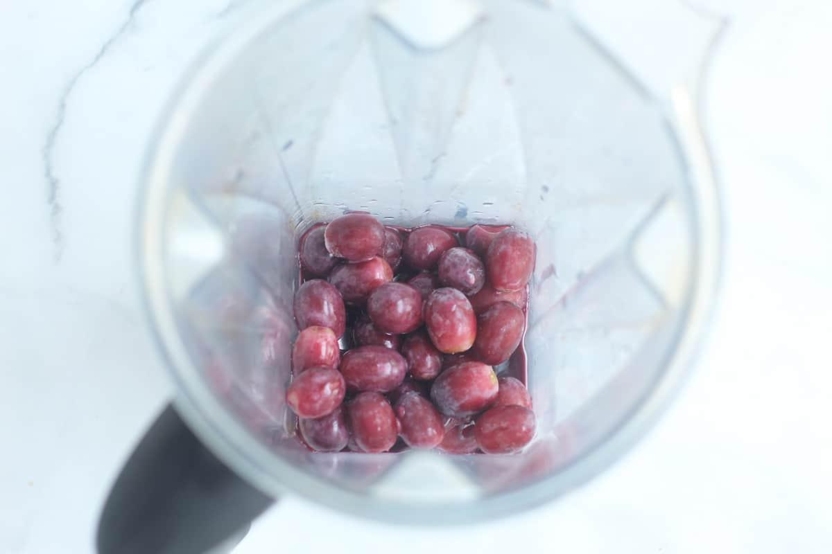 slushie ingredients in blender