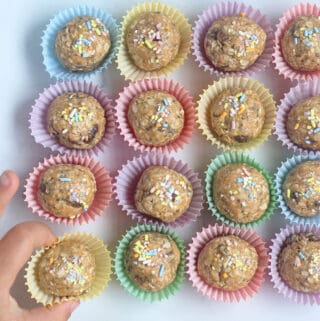 peanut-butter-oatmeal-energy-balls