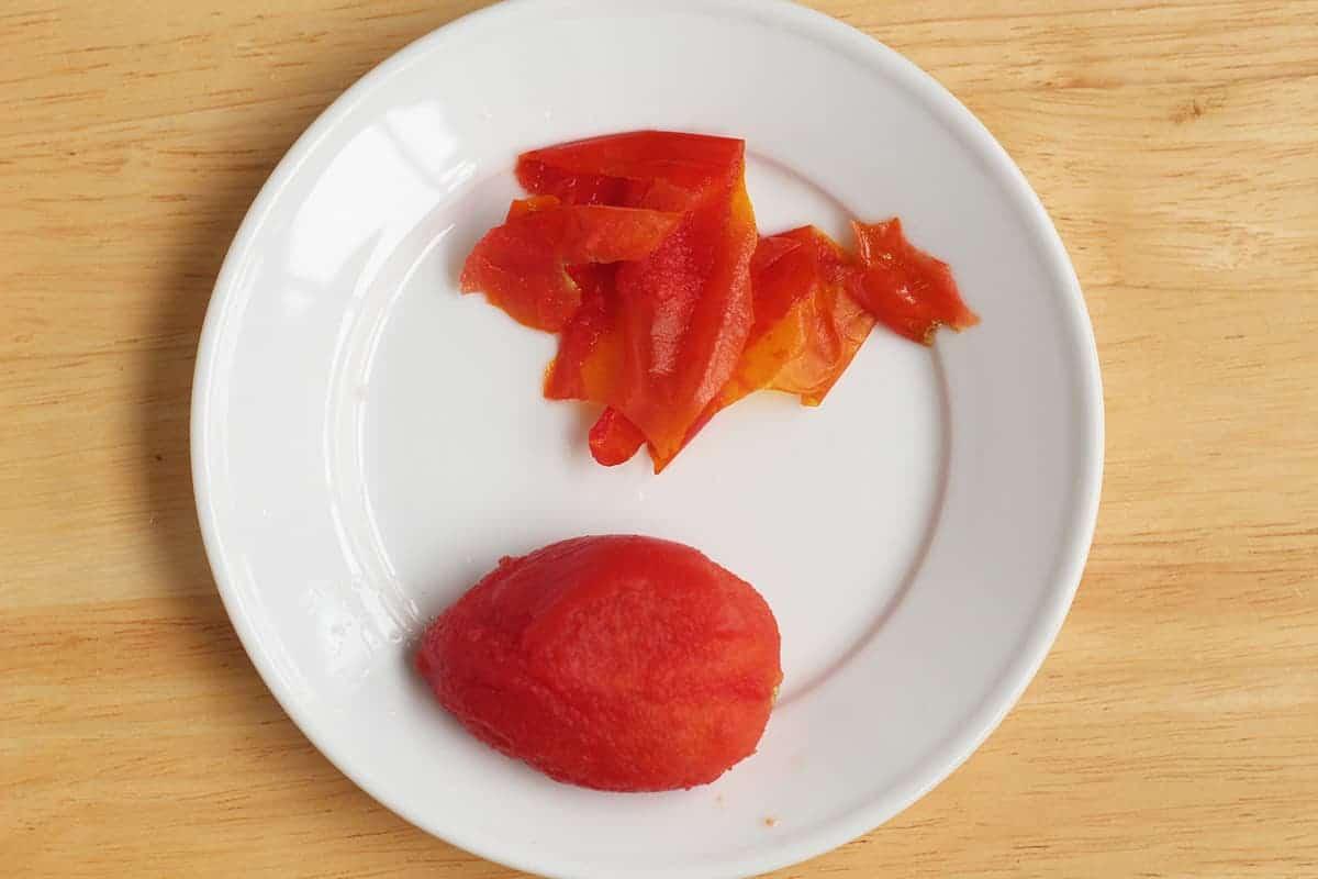 peeled-tomato-on-plate