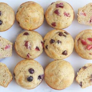 yogurt-muffins-in-flavors-on-countertop