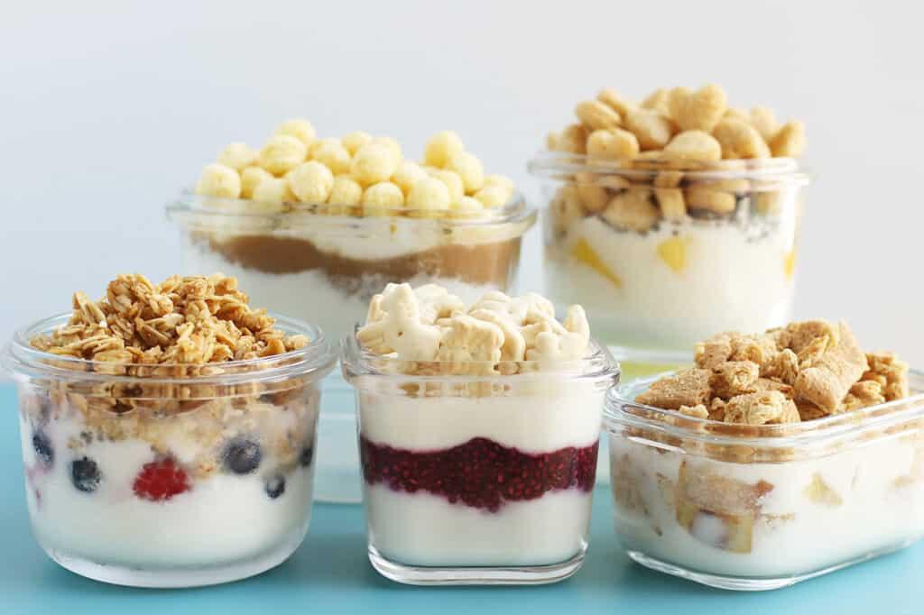 yogurt-parfait-in-storage-containers