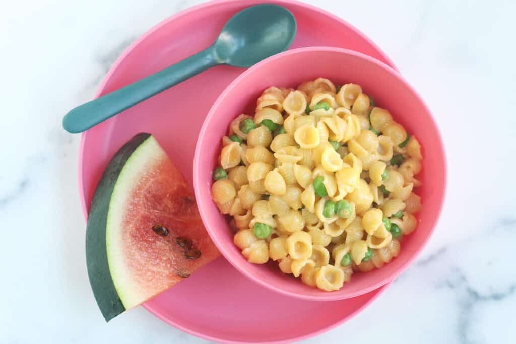 mac-and-cheese-with-peas