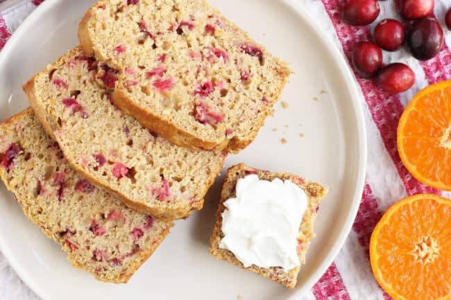 sliced-cranberry-orange-bread-on-plate